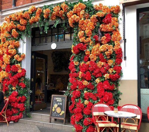 decorar con flores tu entrada