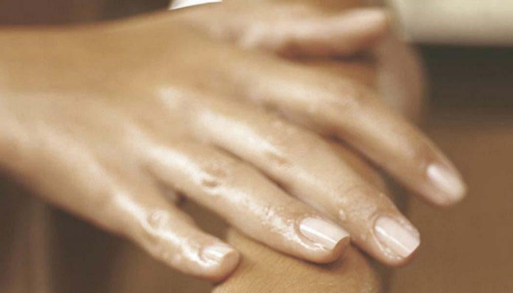 Remedio económico y natural para manos resecas