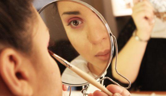 22 trucos de maquillaje que no conocías