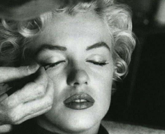 Eyeliner: 100 años de historia