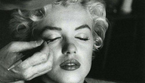 historia del eyeliner