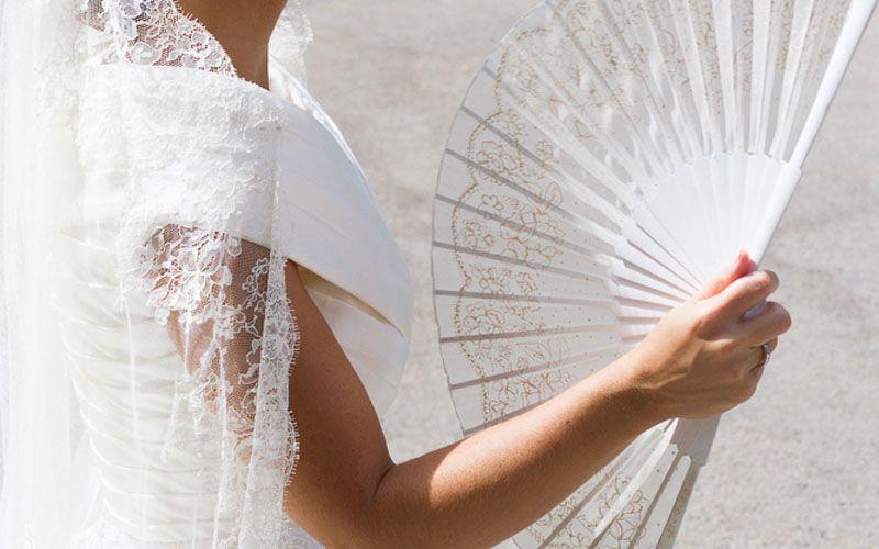 abanicos artisticos para novias