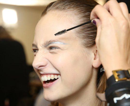 esther palma comunicacion como depilar cejas maquillaje