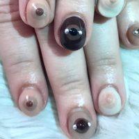 Pechos con piercings nails arts