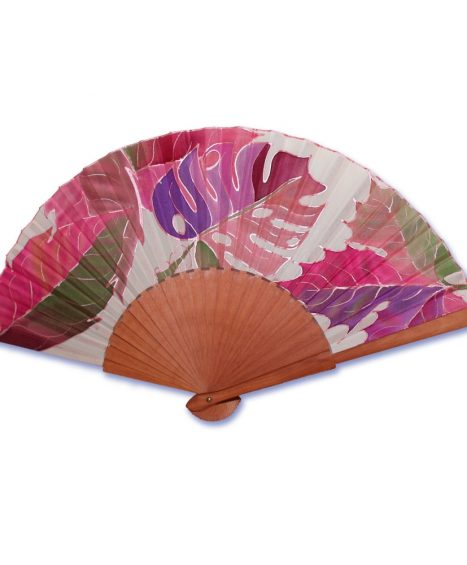 Abanico pintado a mano sobre seda natural con dibujos de hojas