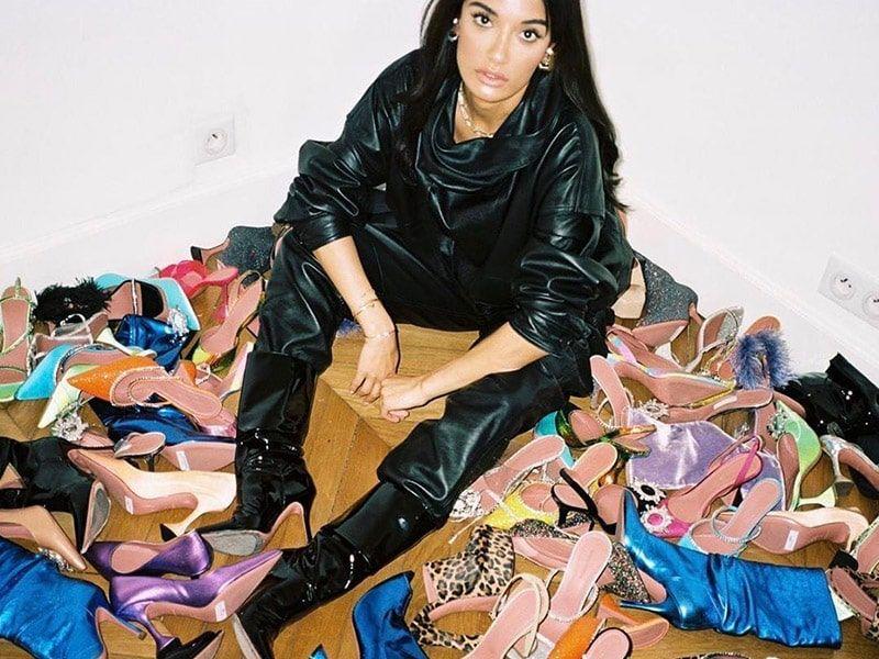 zapatos y mujeres