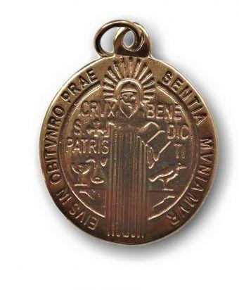 Medalla de San Benito fabricada